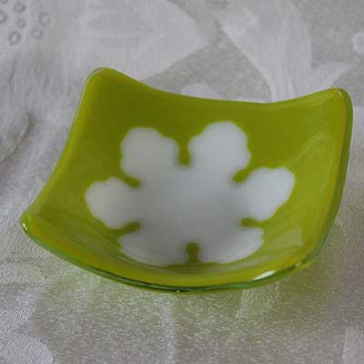 Chartreuse dish with snowflake alt